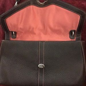 Brown Coach Medium Pebble Bag - Stylish Interior